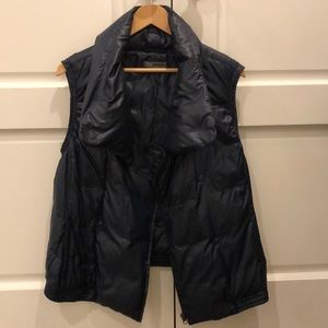 Like New Down Vince Vest sz small